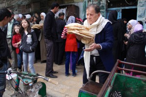 Cola del pan en Bustan al-Qasr. David Meseguer ©