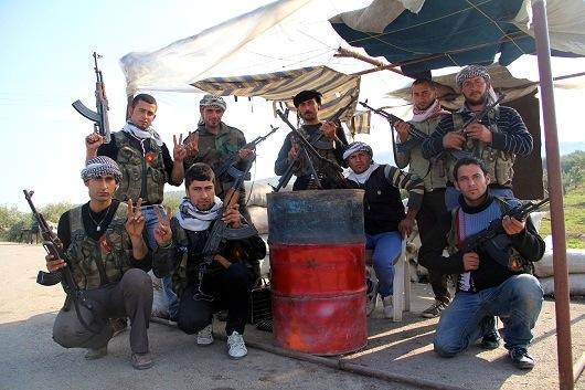Milicianos de las Unidades de Protección Kurdas (YPG) en Jendires. David Meseguer ©